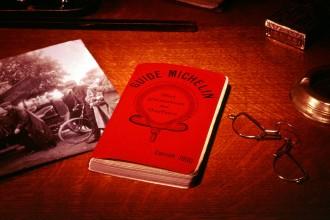 Guide Michelin 1900 - We Are COM